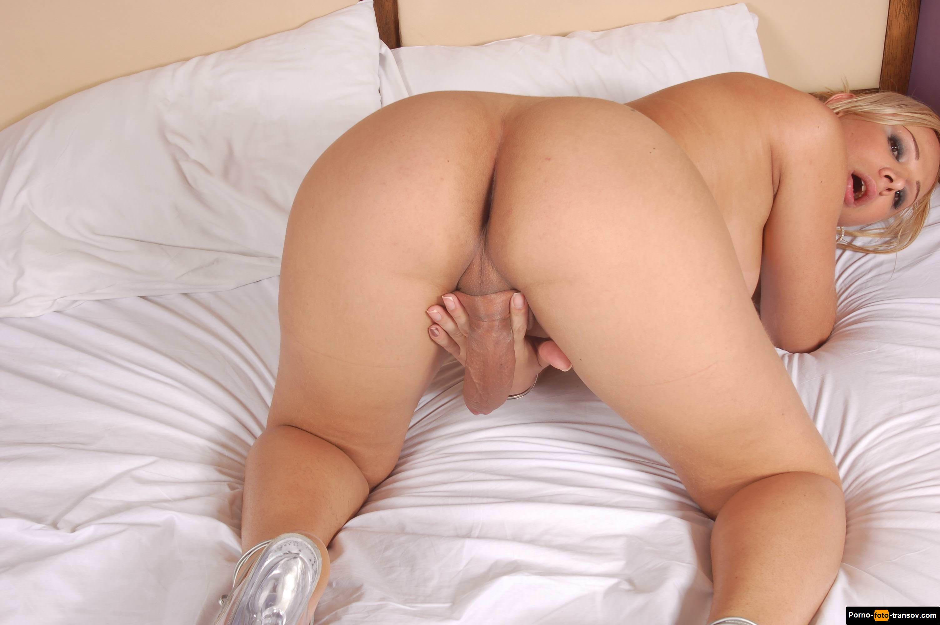 Порно огромным хуем в спальне, порно с черной шлюхой в корсете