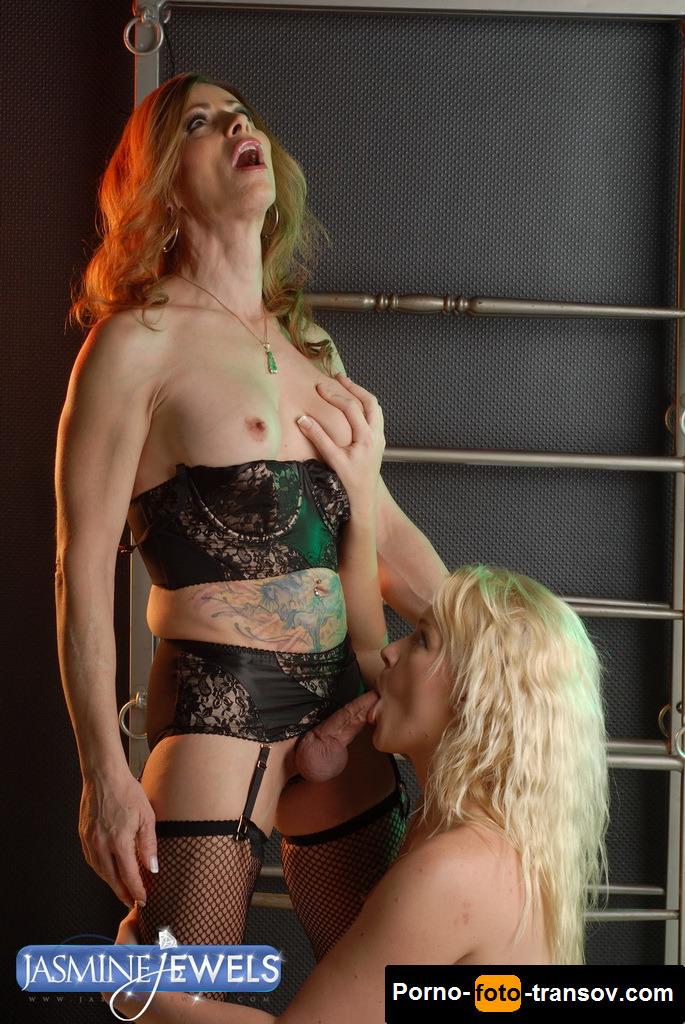 eroticheskoe-bele-dlya-transvestitov